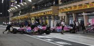 Los coches de Force India, de noche –SoyMotor.com