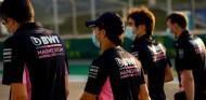 Pérez denuncia que algunos miembros de Racing Point le ocultan información - SoyMotor.com
