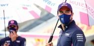 OFICIAL: Pérez supera la covid-19 y competirá en el GP del 70º Aniversario - SoyMotor.com