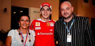 Jules Bianchi con sus padres - LaF1