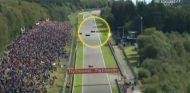 Lucha entre Magnussen y Alonso en la recta de Kemmel - LaF1