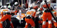 Pit stop de Force India durante el Gran Premio de Hungría