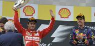 Fernando Alonso en el podio de Bélgica