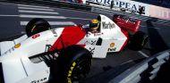 Ayrton Senna al volante de su MP4-8