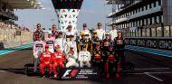 Todos los pilotos durante el GP de Abu Dabi 2017 - SoyMotor.com