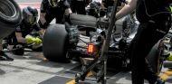Pit-stop de Valtteri Bottas durante la carrera en Malasia - SoyMotor.com