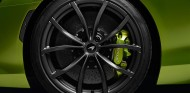 Neumático Pirelli P Zero Corsa en el nuevo McLaren Artura - SoyMotor.com