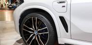 La guerra de los neumáticos se pasa a lo eléctrico