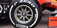 Detalle de un neumático en el SF90 - SoyMotor