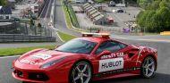 Los Pirelli P Zero Color Edition llegan a la Ferrari Challenge - SoyMotor.com