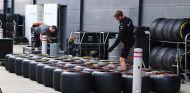 "Pirelli espera ""muchas estrategias diferentes"" para la carrera- SoyMotor.com"