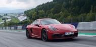 El Porsche 718 Cayman GTS rueda en el Red Bull Ring, circuito situado en Austria - SoyMotor