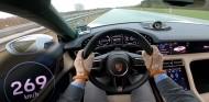 Porsche Taycan Turbo S en la Autobahn - SoyMotor.com