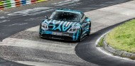 Porsche Taycan: exhibición en Goodwood casi sin camuflaje - SoyMotor.com
