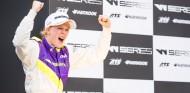 Alice Powell, de su primera victoria en W Series a la IMSA - SoyMotor.com