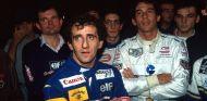 Alain Prost (azul) y Ayrton Senna (blanco) durante dicho evento de karting en 1993 – SoyMotor.com
