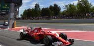 Ferrari recupera impulso en Libres 3, Sainz y Alonso en el Top 10 - SoyMotor.com