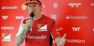 Con la temporada 2014 empezada, la 'silly season' que le llaman ha entrado con fuerza con dos protagonistas de excepción: Kimi Räikkönen y Lewis Hamilton. El piloto de Ferrari y el de Mercedes tuvieron que desmentir ayer jueves en Austria sus supuestas salidas de sus respectivos equipos - LaF1.es