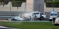 Kimi Räikkönen 'arrebata' el extintor a un operario del circuito - SoyMotor.com