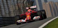 """El F14-T no es """"tan malo"""" para que esté tan lejos de Alonso - LaF1.es"""