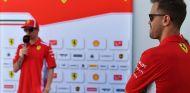 Kimi Räikkönen y Sebastian Vettel en Bakú - SoyMotor.com