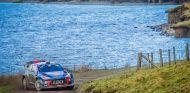 Thierry Neuville y Nicolas Gilsoul en el Rally de Gran Bretaña 2017 - SoyMotor.com