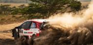 Rally Safari Kenia 2021: Ogier gana en otra debacle de Hyundai; podio de Katsuta y doblete de Toyota - SoyMotor.com