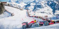 Max Verstappen derrapando por la pista de esquí - LaF1