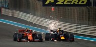 Charles Leclerc y Max Verstappen en Abu Dabi 2019 - SoyMotor.com