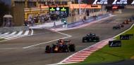 Verstappen lidera la carrera en Baréin - SoyMotor.com