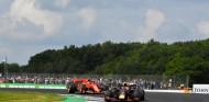Max Verstappen y Charles Leclerc en el GP de Gran Bretaña F1 2019 - SoyMotor