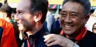 Christian Horner y Misashi Yamamoto en el GP de Australia - SoyMotor