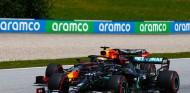 Lewis Hamilton y Max Verstappen en Austria - SoyMotor.com
