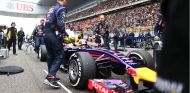 Daniel Ricciardo en la parrilla de salida de Shanghái - LaF1
