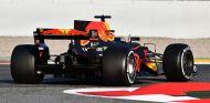 Daniel Ricciardo en los test de Barcelona - SoyMotor