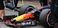 Max Verstappen prueba el neumático hiperblando – SoyMotor.com