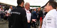 Cyril Abiteboul, Helmut Marko, Christian Horner y Zak Brown en Silverstone - SoyMotor.com