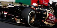 Romain Grosjean al volante de su Lotus E21 - LaF1