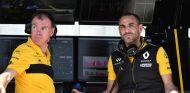 Alan Permane y Cyril Abiteboul en Montreal - SoyMotor.com