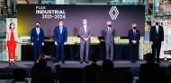 Renault adjudica cinco nuevos híbridos a sus fábricas españolas - SoyMotor.com