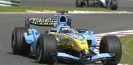 El sonido del Renault R24 de Alonso, a ritmo de violonchelo - SoyMotor.com