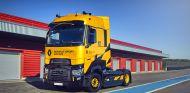 Renault lanza una edición especial de su camión T High con aroma a Fórmula 1  - SoyMotor.com