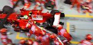 Repostaje peligroso de Massa en SIngapur 2008 - LaF1.es