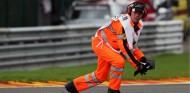 Los restos de fibra de carbono en pista, posible causa del accidente de Hubert - SoyMotor.com
