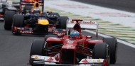 Fernando Alonso y Sebastian Vettel en el GP de Brasil 2012 - SoyMotor.com