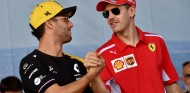 Daniel Ricciardo y Sebastian Vettel en una imagen de archivo - SoyMotor.com