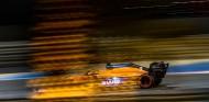 Daniel Ricciardo corrió con el coche dañado en Baréin - SoyMotor.com