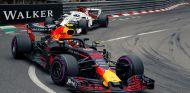 Max Verstappen, por delante de Marcus Ericsson en Mónaco - SoyMotor.com