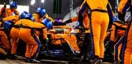 Parada en boxes de Ricciardo en Baréin - SoyMotor.com