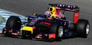 Daniel Ricciardo con el Red Bull RB10